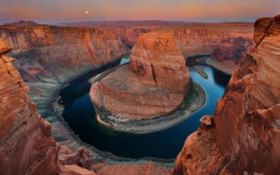 Moonset Over Horseshoe Bend